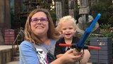 Chlapec (†1) zemřel v rozpáleném autě, rodiče ho v něm nechali pět hodin