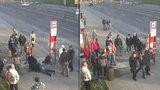 Ukrajinec (25) na pražské zastávce brutálně zmlátil seniora (70). Lidé ho zadrželi
