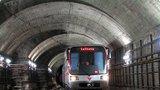 Metro smetlo na Hůrce muže (45): Vážně se zranil, skončil v umělém spánku
