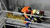 Dělník (29) spadl do šachty na Císařském ostrově: Poranil si páteř a pánev