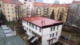 Školku v Holešovicích radnice opraví a znovu otevře: Na 10 let ji zavřel spor o chodník
