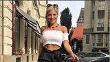 Panika sexbomby Perkausové: Vykradli jí auto, zmizely i klíče od bytu!