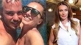 Sexy Alice Bendová (43) na dovolené: Se zajíčkem a nahoře bez!