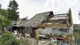 """Kulový blesk poničil střechy na Kroměřížsku: """"Vypadalo to jako ohnivá koule"""""""