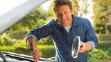 Další rána pro restaurace Jamieho Olivera: Vařili zkažené maso