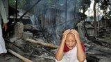 Muslimové vypálili celou vesnici. Jeden z obyvatel prý na Facebooku urazil Mohameda