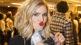 Nikol Štíbrová vyhrála Instagram roku a porazila i kolegyně herečky! Proč se bojí mít cenu doma?
