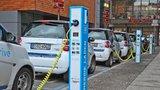 Praha zruší dvě zakázky na sdílené elektromobily, chce víc poskytovatelů. Zkrotí i koloběžky