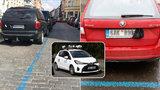 »Espézetky« zakryli řidiči listy i kalhotkami! Pražané za špatné parkování letos zaplatili už 22 milionů