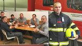 """Jak vypadá vánoční služba hasičů? """"Nikdo si nebere dovolenou a přejeme si, ať nevyjíždíme,"""" říká Marek (41)"""