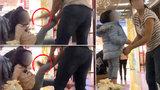 Otřesné video: Matka v nákupním centru v Ostravě bije dcerku (2) botou do hlavy!