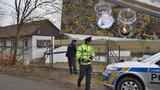 Brutální vražda manželů v mobilním domku: Podezřelé vydali z Rumunska do Česka!