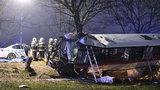 Příčina nehody u Horoměřic? O rizikový úsek podle policie nešlo, napovědět může pitva zemřelých