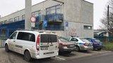 Dvě mrtvoly v Praze 10: Muže a ženu našli v ubytovně bez známek života
