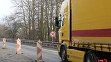 Řidiči, pozor! Most u Černé Hory může do měsíce spadnout, varují silničáři