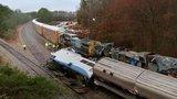 Vlak se 139 cestujícími vletěl do nákladní lokomotivy. Na místě jsou mrtví