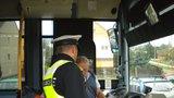 Řidič autobusu sedl za volant namol! V Úvalech nadýchal více než promile