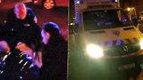 Záchrana taxikáře-diabetika (63) v centru Prahy. Dostal záchvat, skončil v nemocnici