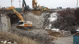 Most u metra v Nových Butovicích půjde k zemi! Je v havarijním stavu, nahradí ho nový