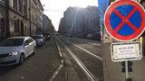 Týden po uzavírce Husitské: Tramvaje jezdí bez zpoždění, řidiči si ale v kolonách počkají dál