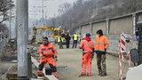 Dopravní omezení na nábřeží v Praze 7: Do konce března tu budou opravovat silnici