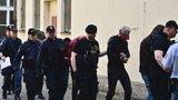 Pět Alžířanů znásilnilo turistku v centru Prahy: Za mřížemi stráví až dva a půl roku, rozhodl soud