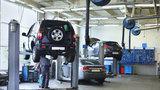 Jaro měří kondici auta