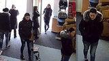 Kamarádky v obchodě s kočárky v Brně: Dvě dělaly křoví a třetí ho »koupila« za pět prstů