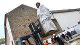 Karel Marx se dočkal nadživotní sochy ve svém rodišti. Čínský dar dělí místní