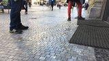 """Nevítaná """"skluzavka"""" na kostkách Na Příkopě: Oprava má smysl jen v rámci rekonstrukce"""