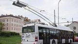 Na letiště pojedou velkokapacitní elektrobusy: Nabíjet se budou cestou