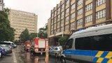 Manévry na VŠE: Policie evakuovala tisíce lidí, nahlášená bomba se nenašla