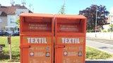 Oblečení pro lidi v nouzi: V Kolovratech loni roztřídili 14 tun šatů