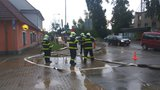 Bouřky na severu Prahy zaměstnaly hasiče: Odčerpávali vodu z přízemí domů a sklepů