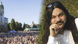 Tisíce lidí dostal do Bohnic! Robert Kozler založil festival Mezi ploty, inspiroval ho Forman
