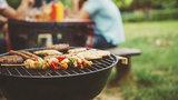 Řešení na piknik i na dovolenou: přenosné grily a ohniště