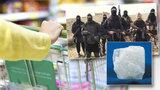 Peníze z vašeho nákupu můžou jít hrdlořezům z ISIS. Skrze důležitý minerál