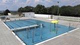 Nový bazén rozčilil obyvatele Žižkova: Už si nezaplaveme, je to plivátko! Areál nabízí i zónu pro děti