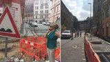 Proklínaná rekonstrukce Husitské pokračuje: Část ulice je průjezdná, hotovo má být koncem října