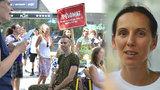 Michaela (39) sloužila celé odpoledne jako pouliční jukebox: »Jsem nadšená!« říká účastnice Zpěvomatu
