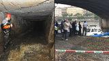 Pátrání po lovci kešek, den čtvrtý: Potápěči prohledali Vltavu u Jiráskova mostu, stále bez výsledku