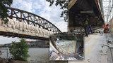 Na železničním mostě u Výtoně se opraví jen jedna lávka. Podívejte se na průběh rekonstrukce