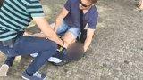 VIDEO: Policie zadržela muže, který oloupil slabozrakého. Je v podmínce, byl už 8krát celostátně hledaný