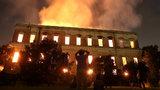 """""""200 let výzkumu ztraceno."""" V Brazílii shořelo muzeum a 20 milionů exponátů"""