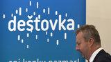 Až 50 tisíc pro domácnost. Kvůli suchu v Česku přihodili 100 milionů na Dešťovku