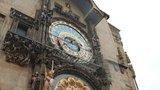 Památku na Staroměstském náměstí znovu zahalí lešení: Orloj špatně vymalovali!