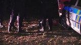 Divoká noční honička v Praze: Řidič najížděl na policisty, zběsile projel skrz benzinku