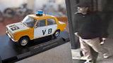 Zloděj ukradl policistům autíčka! Nešika se přitom vážně pořezal