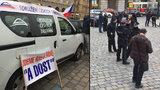 Taxikářské fiasko v centru Prahy: Na protest místo stovek naštvaných řidičů dorazilo sotva 10 lidí