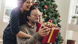 Dárek pro muže k Vánocům: Praktický, vtipný i erotický. Více než 100 tipů v galerii!